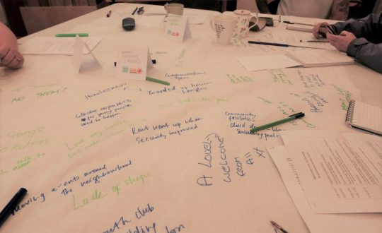 People's notes on tablecloths